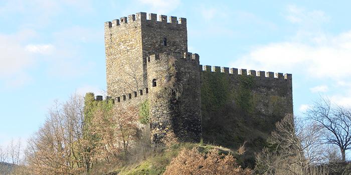O Castelo de Doiras, Vilarello da Igrexa e San Miguel